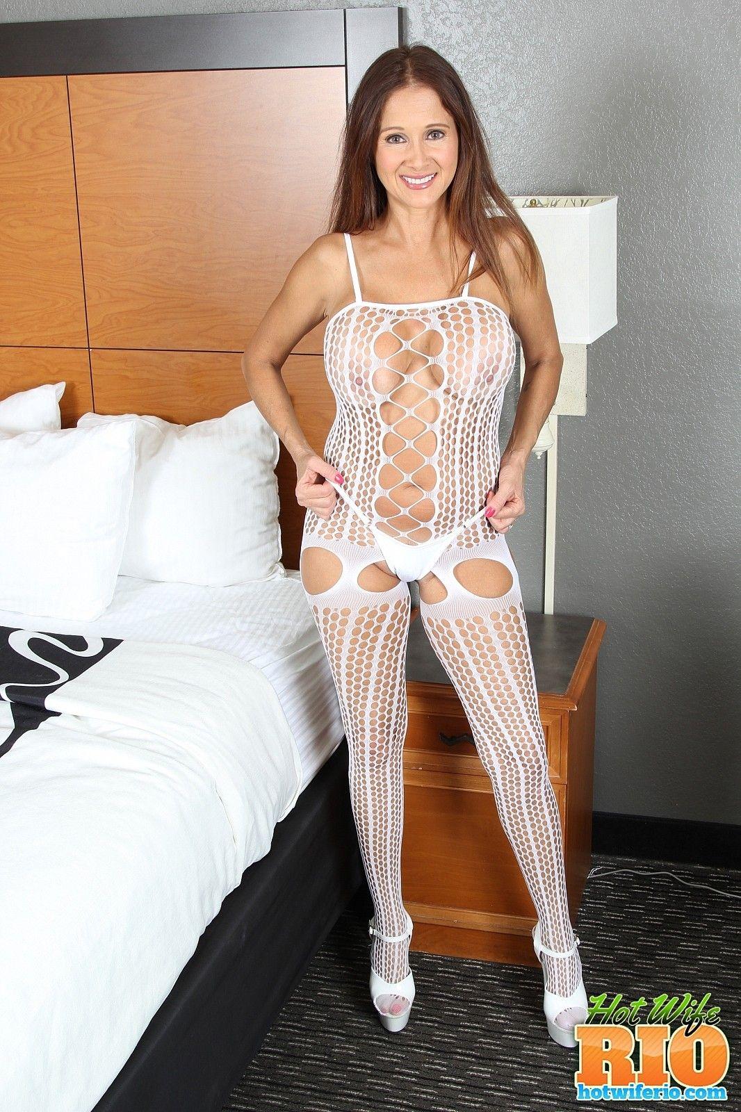 wife rio sexy