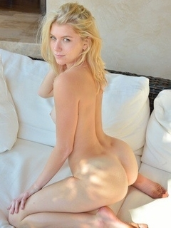 blonde nude galleries