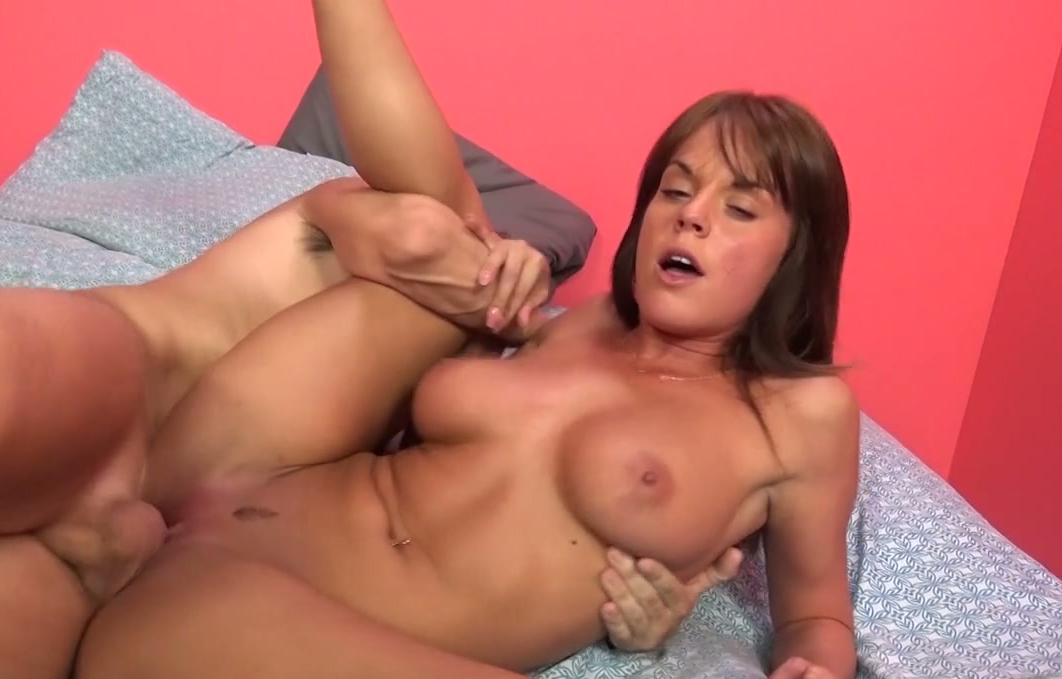 kellie naked tits picklers