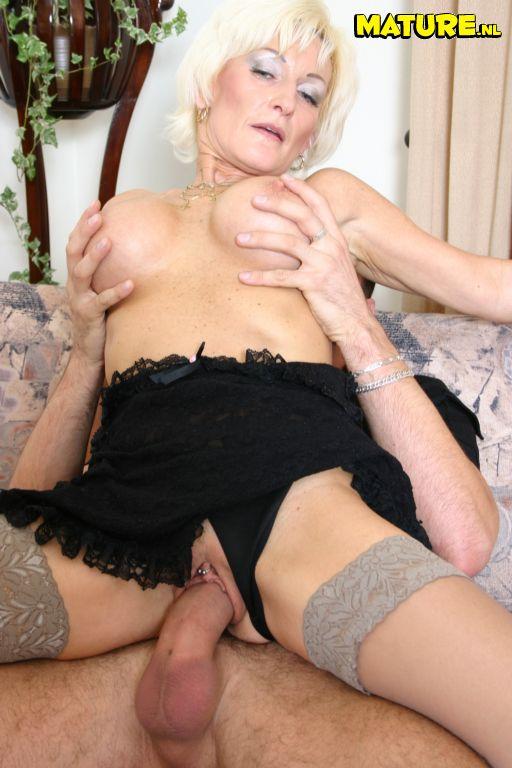 nl pantyhose mature