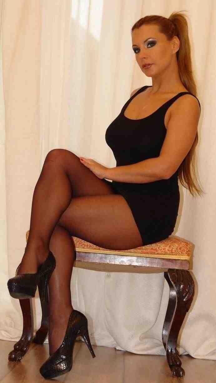 hot black matures women