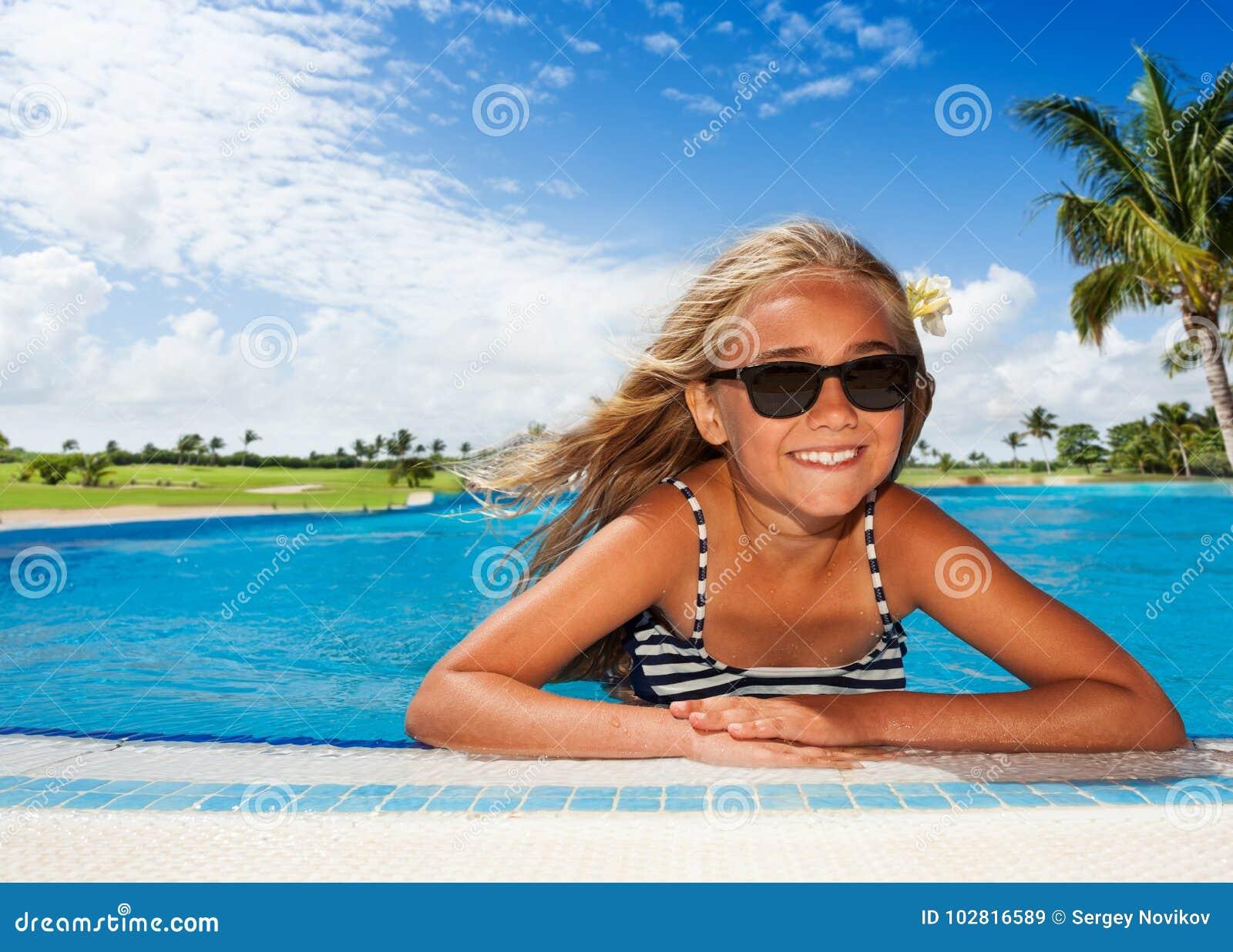 sunbathing girls nude teen