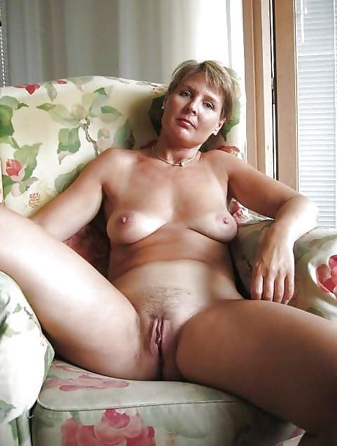 com horny mature
