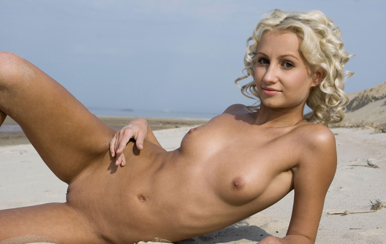 tits tiny nudist