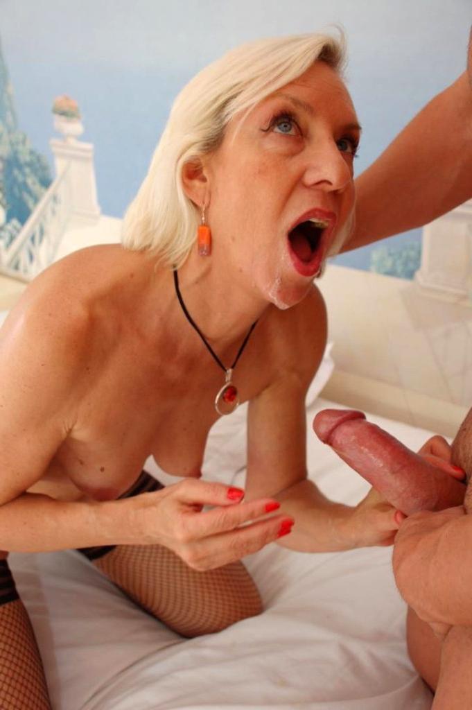 mature women getting laid