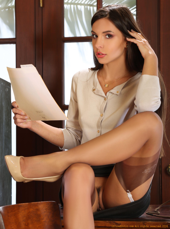 upskirts nylons in secretary