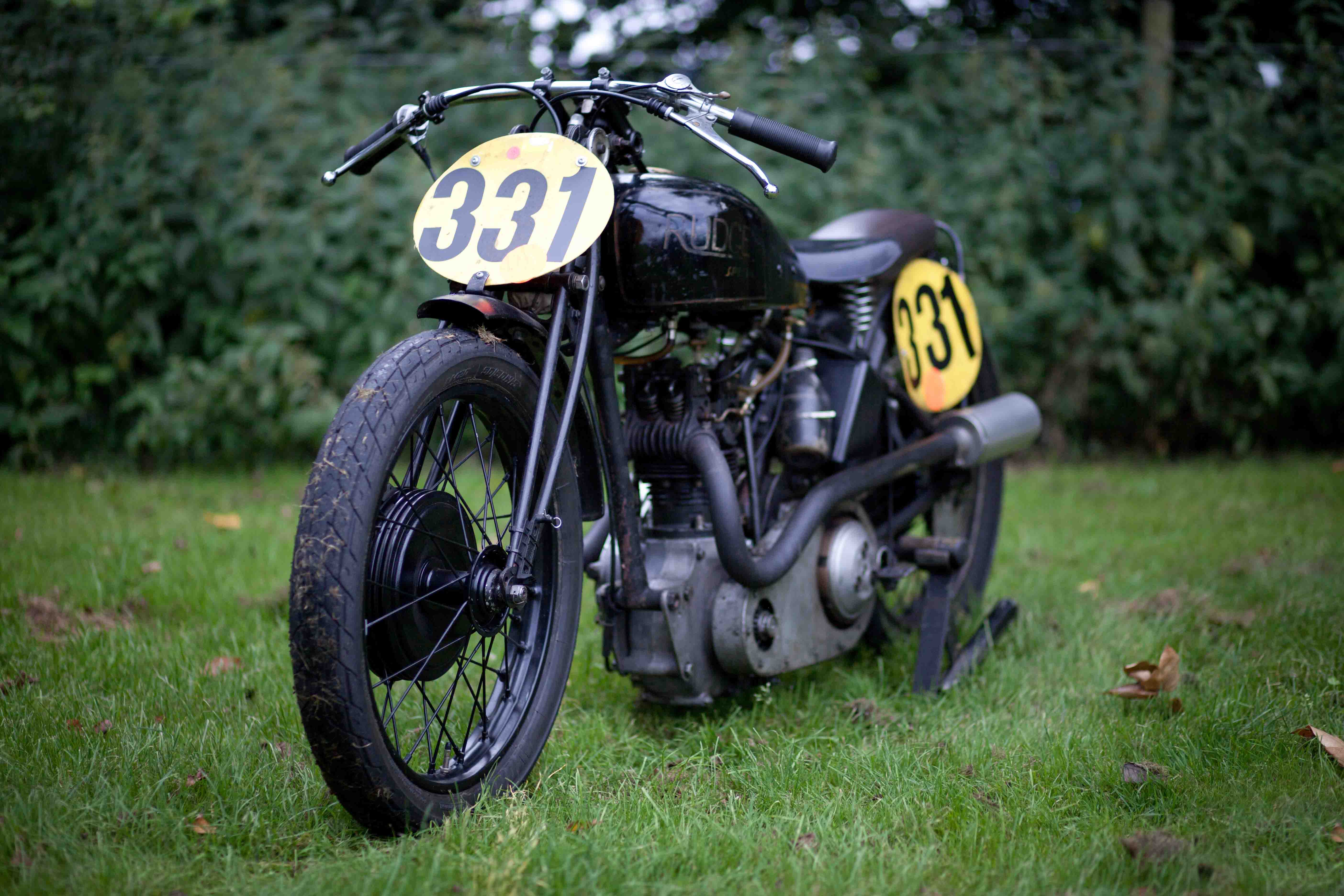 uk vintage motorcycle racing